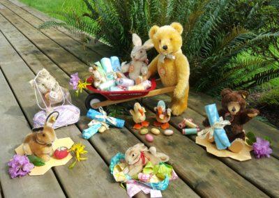 easter bears & bunnies